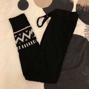 Gap Super Soft Tribal Leggings